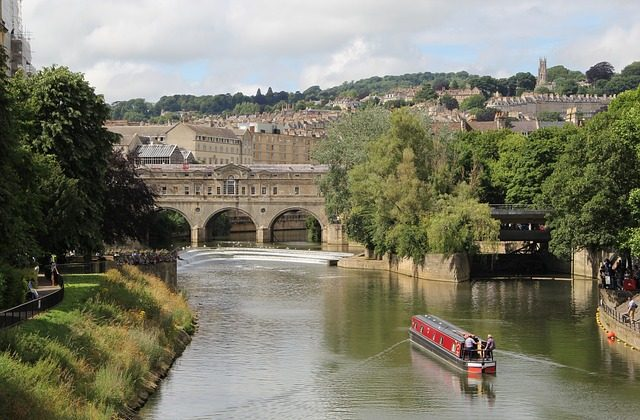 Bath Pulteney Bridge- Link to Prospective Students and Fellows page